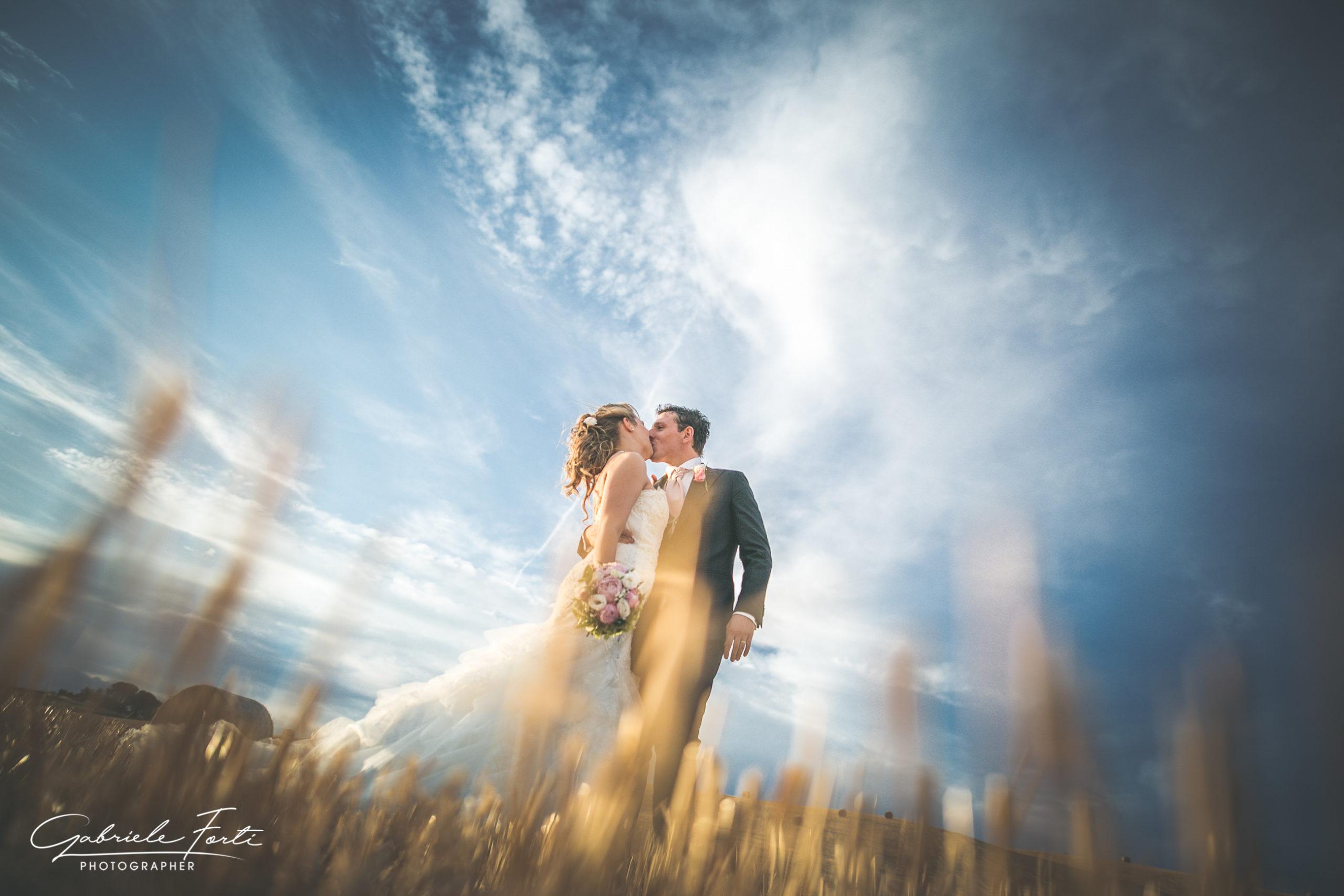 sposarsi-in-toscana-campo-grano-photo-shooting-foto-forti-gabriele