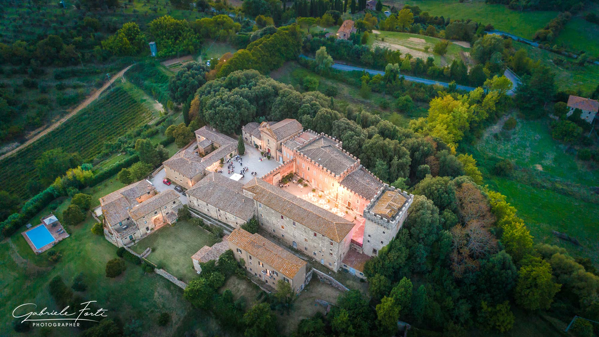 Drone-wedding-tuscany-siena-photographer