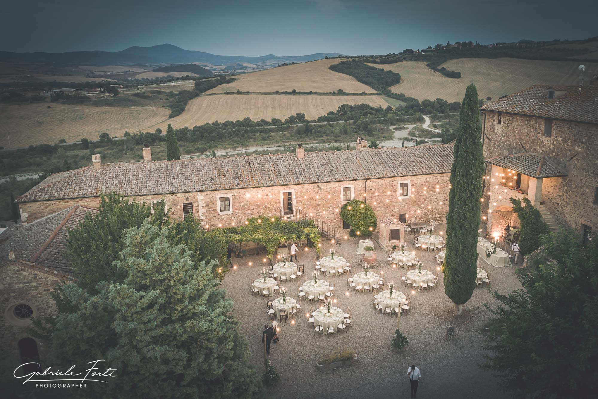 Drone-wedding-tuscany-siena-photographer-video